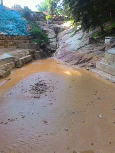 Bayan-Lepas-muddy-waterfall